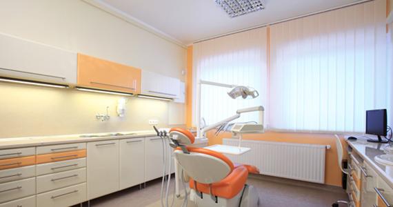разрешен натяжной потолок в стоматологическом кабинете стоит